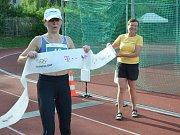 Olympijského běhu v Novém Strašecí se zúčastnili děti i dospělí.