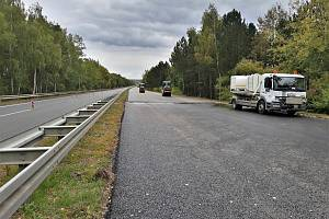 Rekonstrukce dálnice D6 za Novým Strašecím by měla skončit do konce října.