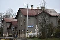 Vlakové nádraží v Řevničově před rekonstrukcí.