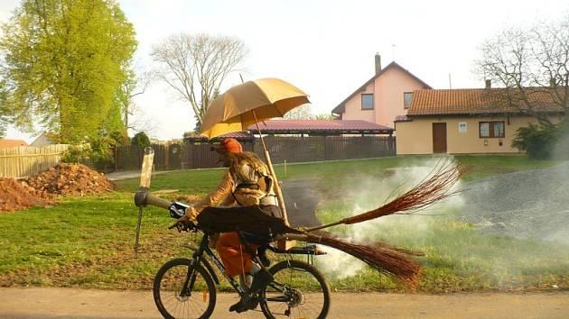 Pálení čarodějnic v Řevničově v roce 2019.