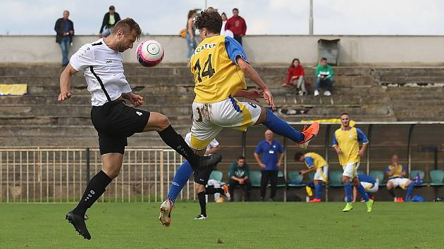 Z fotbalového utkání I.A třídy SK Rakovník B - Chlumec (0:3)