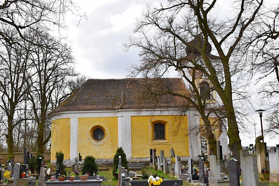 Rekonstrukce kostela sv. Štěpána v Senomatech.