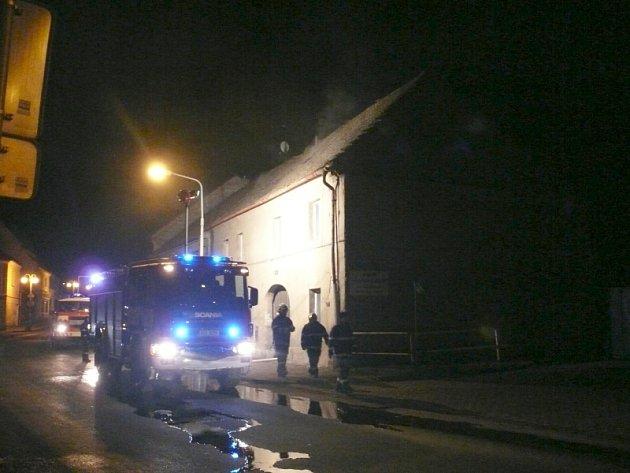 Hořel dům v Novém Strašecí