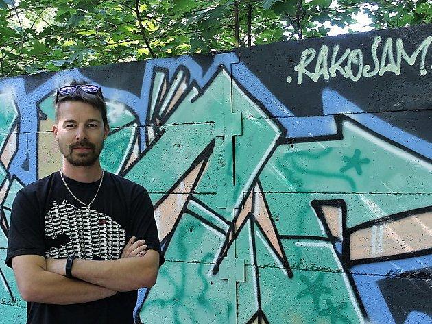 """Jan """"Dooky"""" Cafourek. Jeden ze dvojice pořadatelů Graffiti jamu Rakovník."""