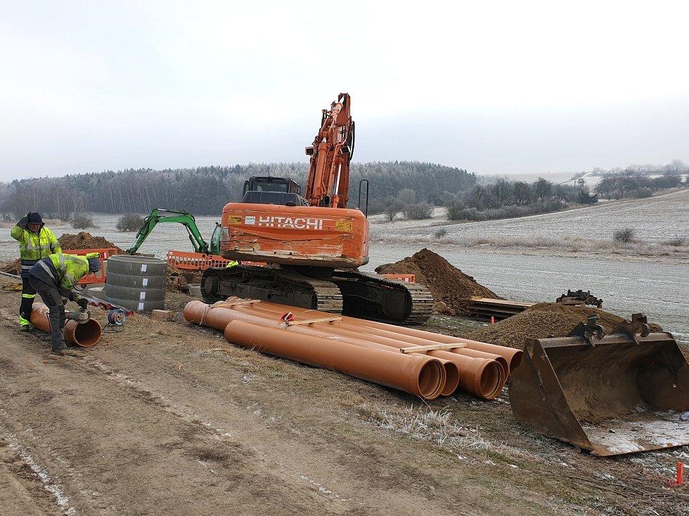 V Novém Strašecí začala výstavba čistírny odpadních vod.