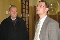 Bývalý starosta Obce Skryje Pavel Souček a obhájce obce Jan Tryzna