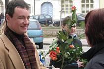 Květiny k MDŽ pro rakovnické ženy