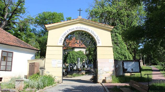 O městský hřbitov se v Rakovníku starají. Roční investice jde do milionu.