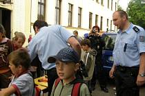 Žáci se zajímali hlavně o zbraně.