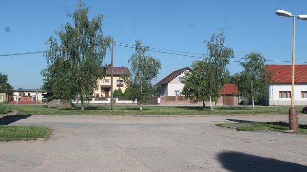 Náměstí Karla Buriana v Senomatech před rekonstrukcí