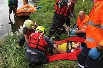 Vodáci našli u Berounky vážně zraněného muže.