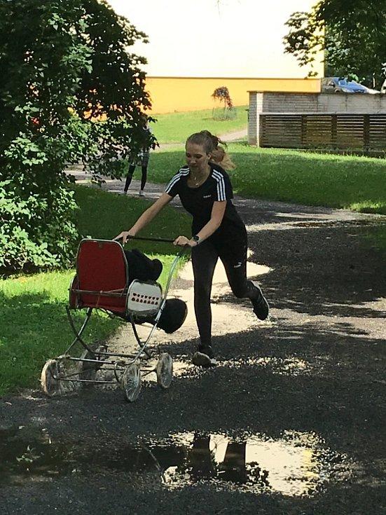 Sportovní den na Masarykově obchodní akademii v Rakovníku.