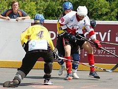 V rozhodujícím finále oblastní ligy v hokejbalu zvítězily Beer Stars Hnidousy nad rezervou HBC Rakovník 7:3 a slaví titul.