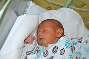 ADAM  ANDRAŠČUK, RAKOVNÍK. Narodil se 5. května 2018. Po porodu vážil 3,4 kg a měřil 50 cm. Rodiče jsou Jana a Saša. Sestra Bára.