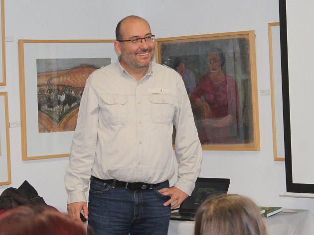 Miroslav Bobek, ředitel pražské ZOO v Pavlíkově