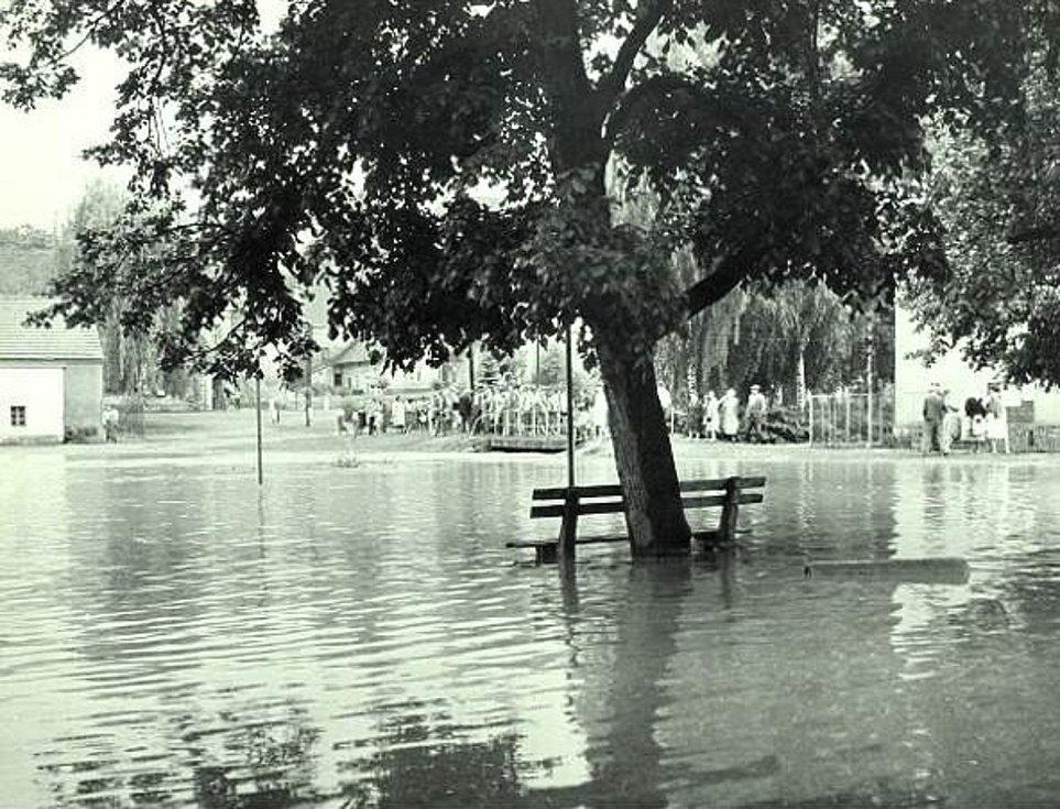 V roce 1966 postihla Šanov povodeň.