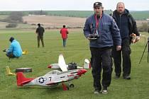 Výročí pádu amerického stíhacího letadla u Kolešovic
