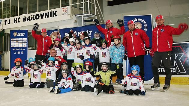 """Akce """"Pojď hrát hokej"""" na zimním stadionu v Rakovníku."""
