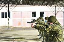 Cvičení armádních nováčků v Rakovníku.