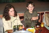 Děti si mohly vyzkoušet v Pecínově řadu adventních a vánoční tradičních zvyklostí.
