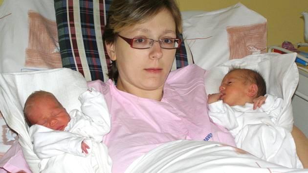 Nikola Andělová a Natálie Andělová z Rakovníka se v rakovnické nemocnici narodily 30. 12.2008 manželům Petře a Vlastimilovi. Nikolka měřila 46 centimetrů a vážila 2,27 kilogramů. Natálka měřila 47 centimetrů a vážila 2,40 kilogramů.