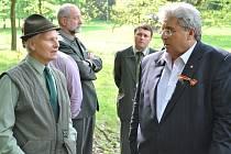 Odpůrci NP Křivoklátsko se sešli na Emilovně