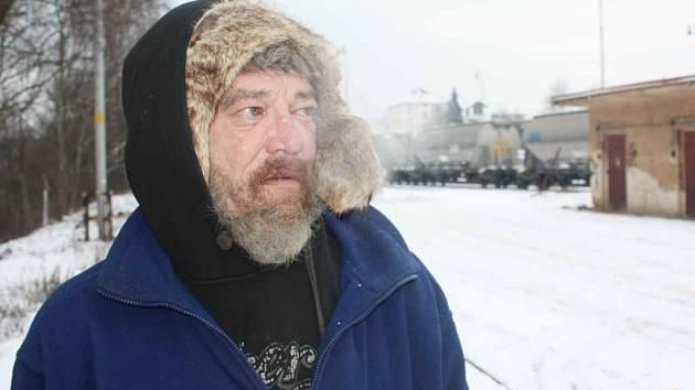 Bezdomovci se schovávají před zimou