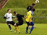 Okresní derby mezi SK Rakovník B a Mšecí rozhodovaly penalty, ve kterých byli úspěšnější hosté. V základní hrací době skončil duel 2:2.