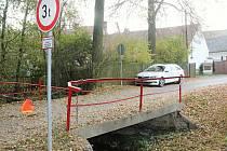 Most přes Šípský potok je v havarijním stavu. Nyní se projektuje nový mostek.