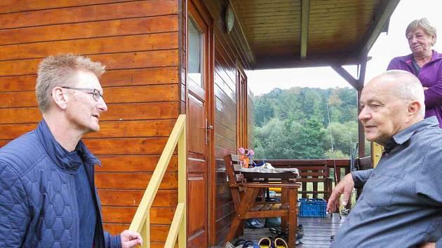 Návštěva ve Šlovicích: Petr Čech vpravo