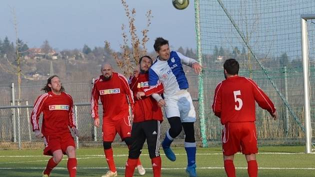 Z přípravného fotbalového utkání Nové Strašecí - Doksy (3:0)
