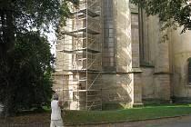Oprava rakovnického kostela.