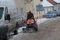 Úklid sněhu v Kolešovicích