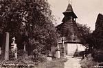 Zvonice u kostela Nejsvětější Trojice v roce 1929.