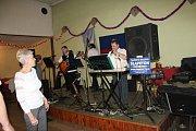 . V sobotu večer uspořádal Sbor dobrovolných hasičů Václavy hasičský ples. Přestože v obci trvale žije devětašedesát obyvatel, tak na plese se sešlo skoro osmdesát lidí.