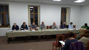 Diskuze na ustavujícím zasedání zastupitelstva Křivoklát