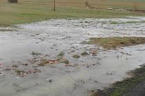 Voda na poli u obce Hřebečníky