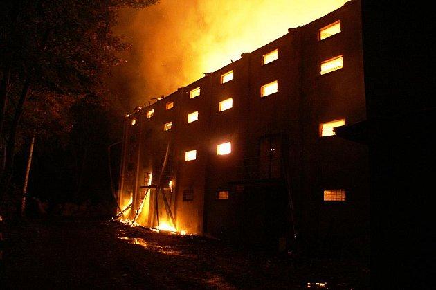 Požár sušičky chmele ve Mšeci