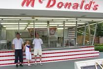Tak takhle vypadal první Mc Donalds na světě.
