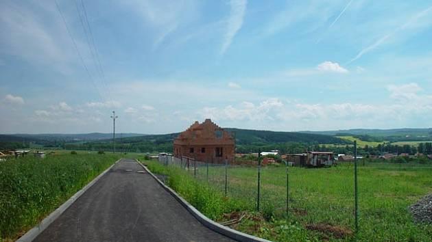 Jedna ze stavebních lokat u Senomat