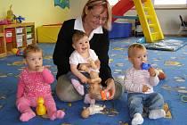 V mateřském centru je Pavlína každý den obklopena dětmi. Dětský smích jí dodává sílu do dalšího dne.
