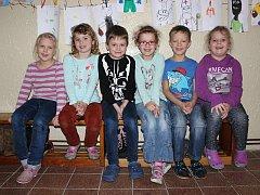 Prvňáčci ze Základní školy a Mateřské školy Hředle.