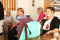 Z besedy Svazu zdravotně postižených Rakovník na téma bezpečnost seniorů.