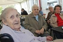 Trampské grilování v Domově seniorů