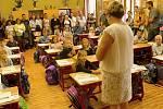 První školní den v 2. základní škole v Rakovníku v třídě I. B, kterou povede učitelka Libuše Martínková.