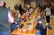 V Kněževsi se utkalo 56 dětí v šachovém turnaji.