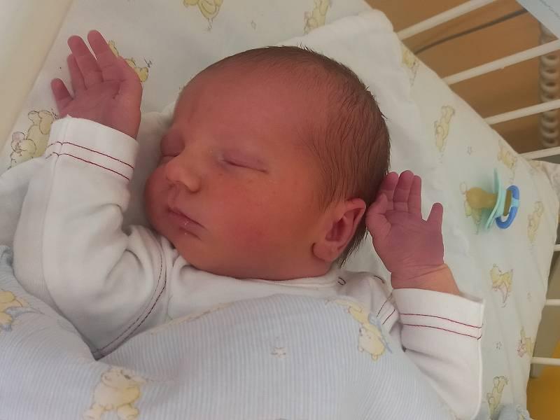 Daniel Kytka, Řevničov. Narodil se 8. září 2021. Po porodu vážil 3,68 kg a měřil 49 cm. Rodiče jsou Pavla Raisová a Petr Kytka, bratr Péťa. (porodnice Rakovník)