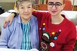 """Projekt """"Věnujte svůj čas seniorům"""" přivedl do Domova Kolešovice dobrovolníky i z řad studentů."""