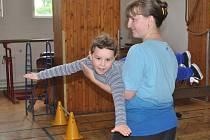 Rakovnická sokolovna - cvičení rodičů s dětmi