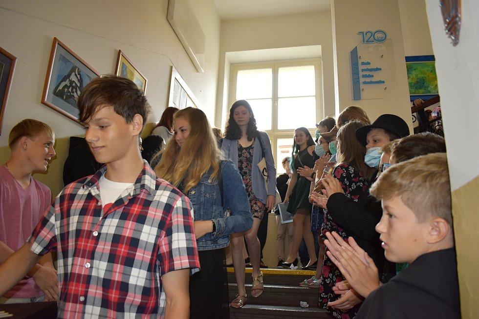Konec školního roku v 1. základní škole Rakovník.